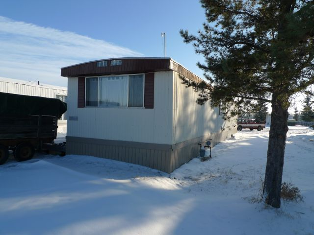 1976 Glendale 14 X 76 Mobile On Leased Lot In Campsie Home Park